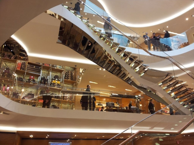 vuitton-staircase